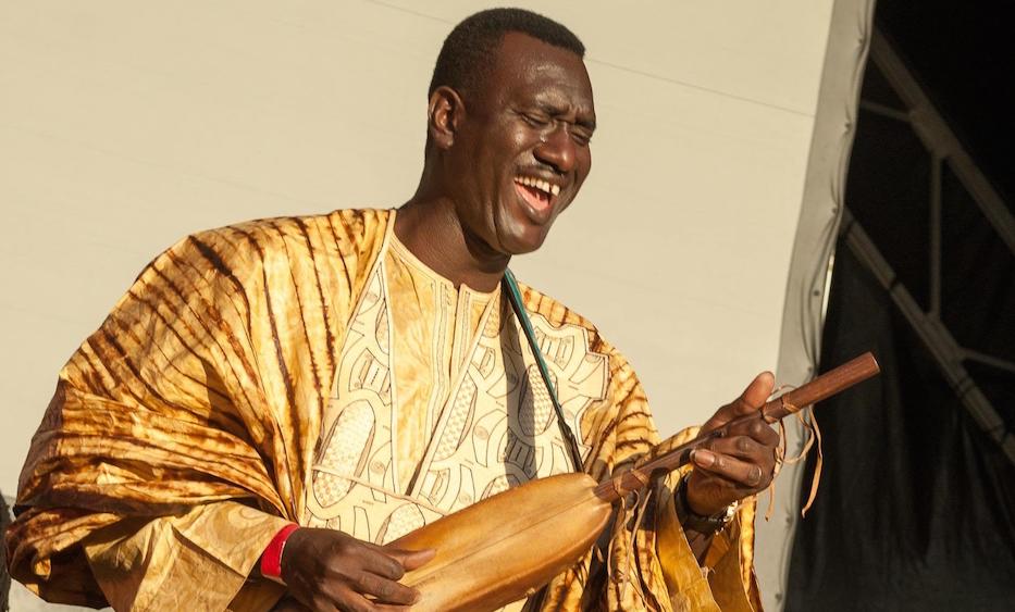 Bassekou Kouyaté Ngoni électrique siran fen Power Ba glitterbeat djolo