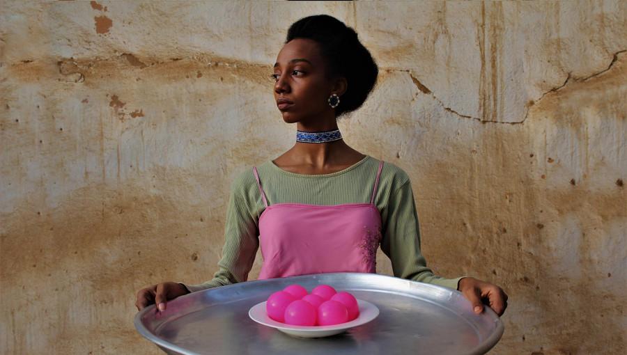 La jolie esthétique de la chanteuse de soul soudanaise Hiba Elgizouli