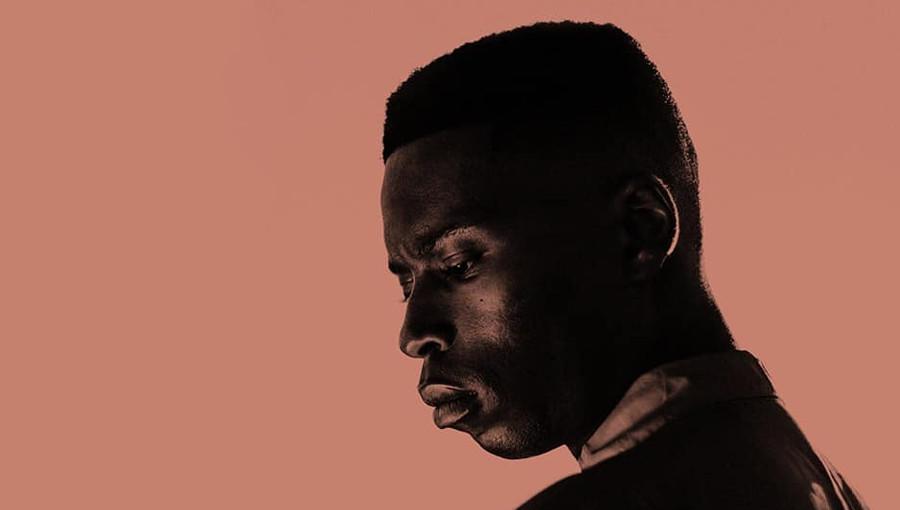 Bongeziwe Mabandla, chanteur sud-africain soul, pop, langue cliquée, Zange, Nouveau titre, soul sud-africaine, folk, chanson d'amour