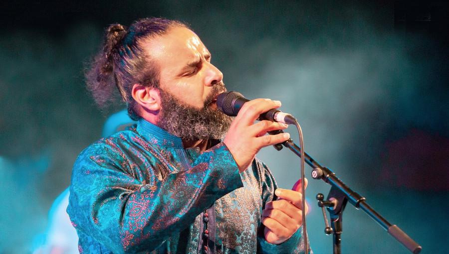Mounir Troudi, Revolutionnary mood, musique soufi, musique tunisienne, FIH 55, festival d'hammamet, festival 2019, flamenco, musique arabo-andalouse