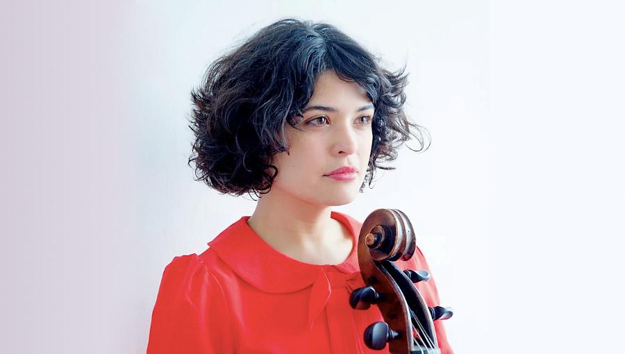 Ana Carla Maza, La Flor, habanera, bossa nova, intimiste, minimaliste, violoncelliste cubaine, chanteuse cubaine, cuba, musique cubaine, nouvel album
