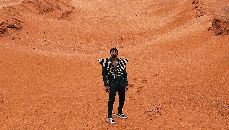 Muzi, Interblaktic, nouveau clip, nouveau titre, Mars, rap sud africain, bushman cave, clarens, live, house, black, homme noir sur mars, course spatial