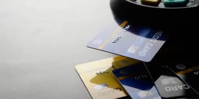 Tips Mengatur Keuangan kurangi penggunaan kartu kredit