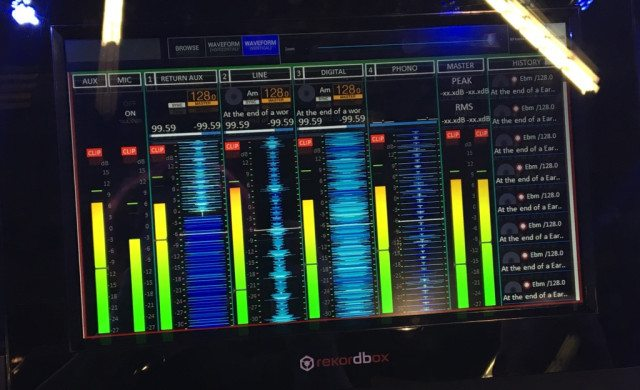 Check out this Mixer/Waveform mode shown on one of the Tour screens (click to zoom)