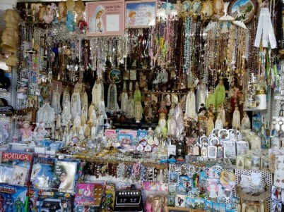 Lots of souvenir items