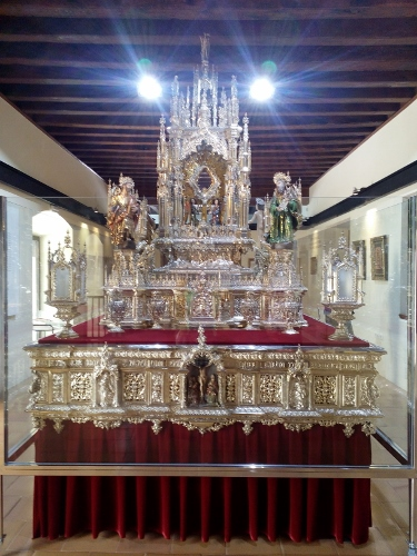 Throne of the Cross