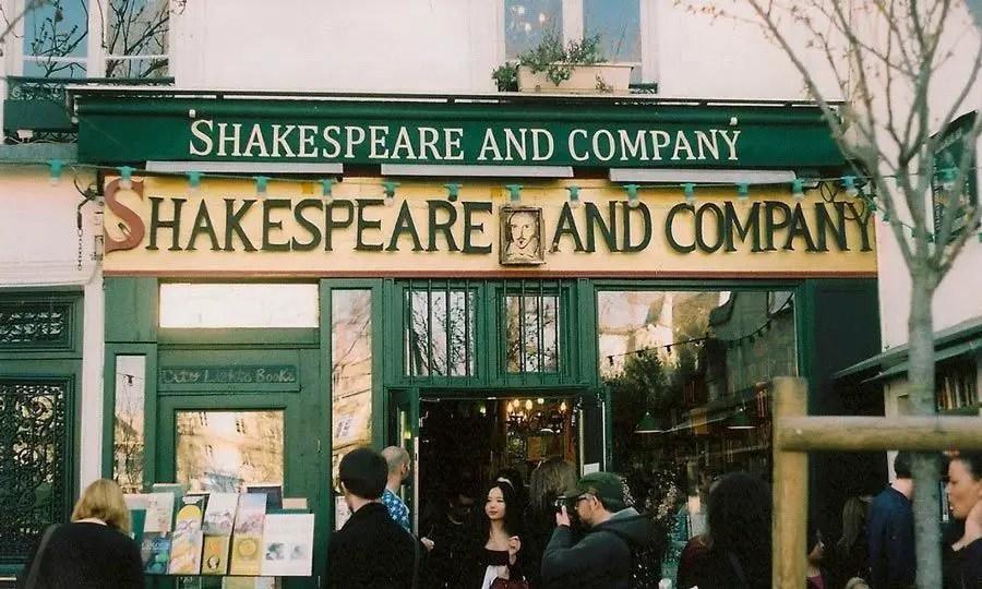 محل شكسبير والأصحاب Shakespeare and Company