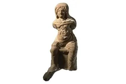 تمثال امرأة حامل للتعبير عن أرتيميس