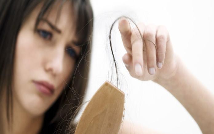 Cara Mengatasi Rambut Rontok Dan Berketombe