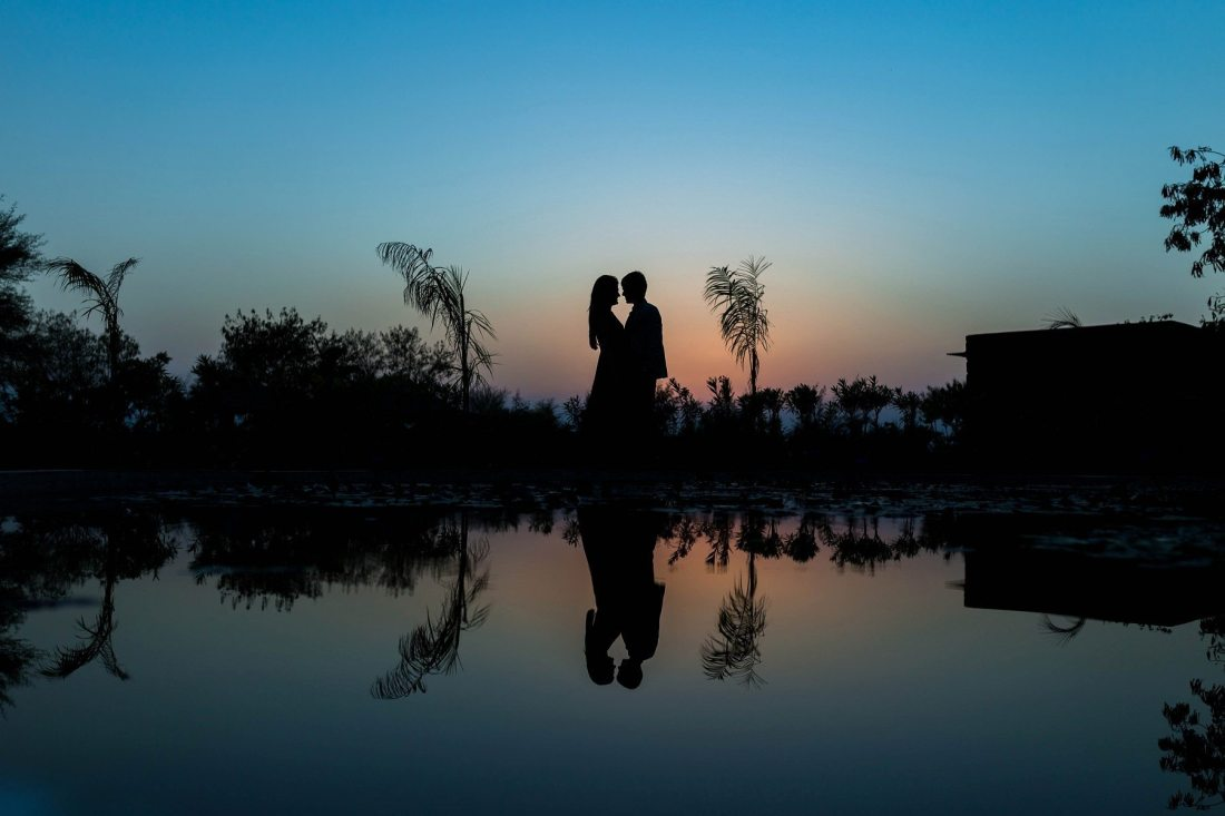 Pre wedding photographer in Ahmedabad Hyatt