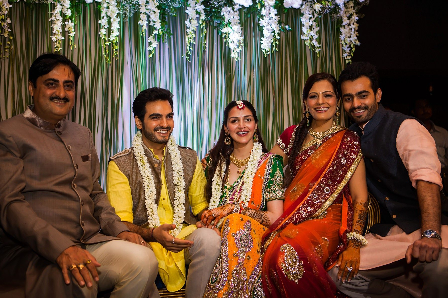 Esha Mehndi Ceremony : Esha deols bollywood sangeet at club royalty bandra mumbai