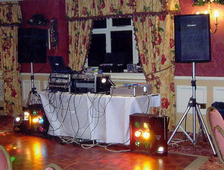 You get what you pay for…or do you? A Guide to Wedding DJ Costs and Benefits