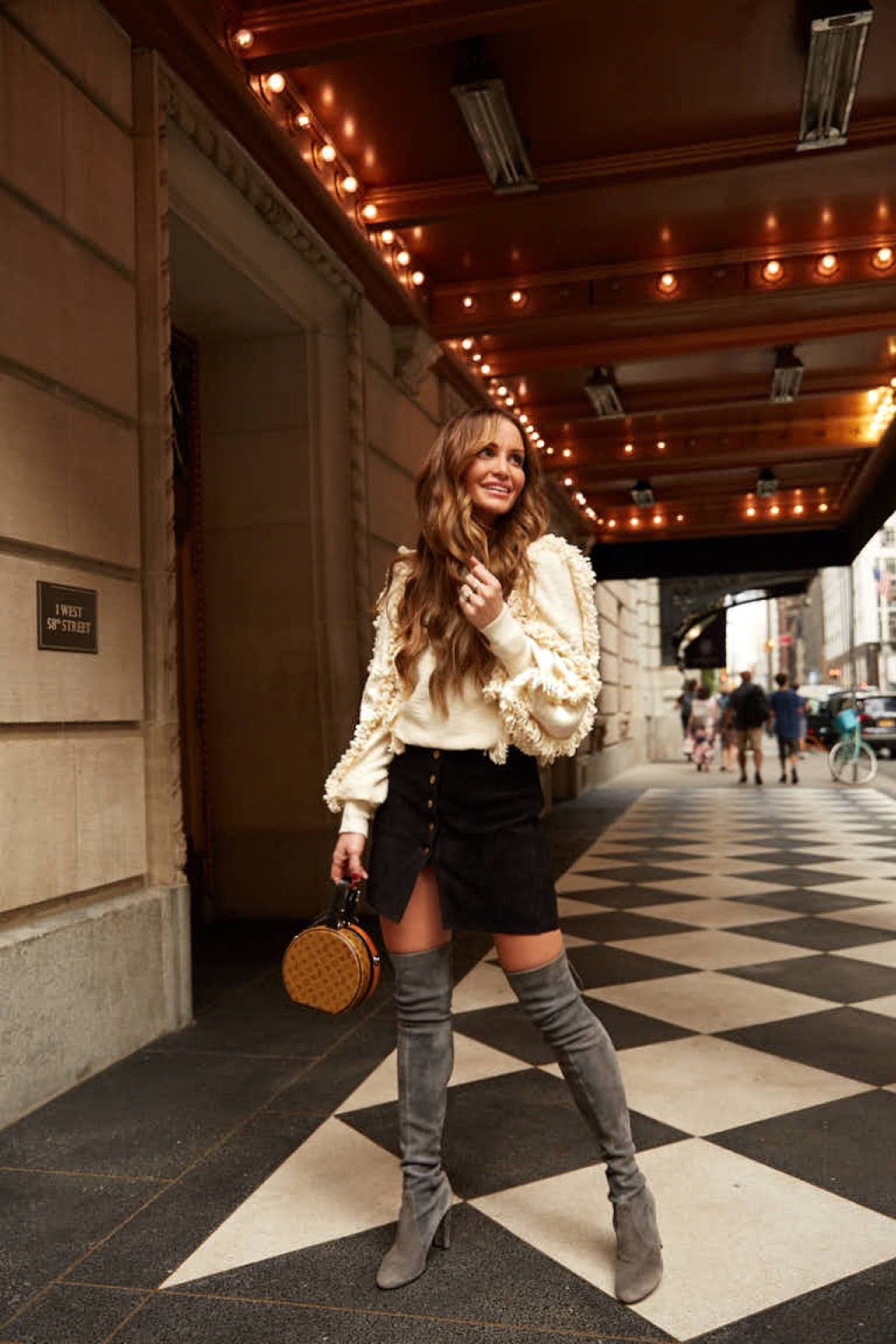 #DKW-Fashion Good Sweater & Thigh Highs