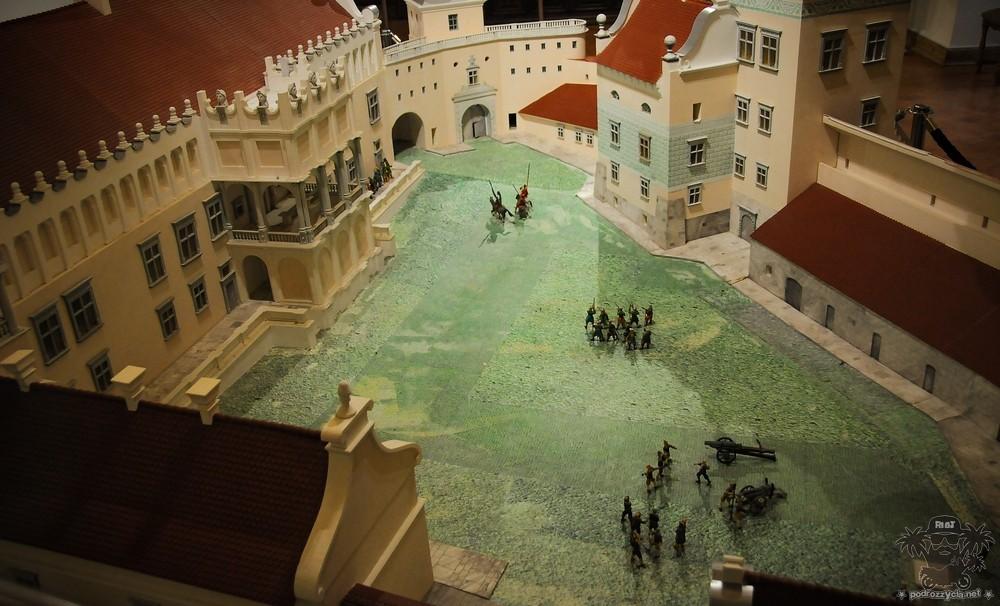 Podróż Życia, Białoruś motocyklem, zamek w Grodnie