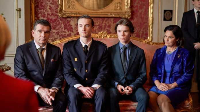 Swedish Coming of Age Series 'Young Royals' Gets Premiere Date & Teaser  Trailer at Netflix | MOVIESR.NET