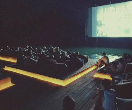 سینمای شناور