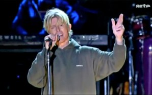 "David Bowie performs ""Heroes"" at the Hurricane Festival"