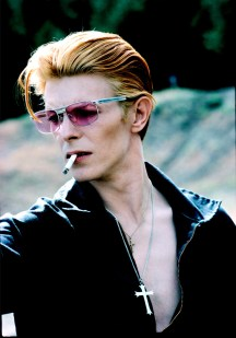David Bowie with cigarette on a break from filming The Man Who Fell to Earth in New Mexico in 1975 This became a Rolling Stone cover and a popular image