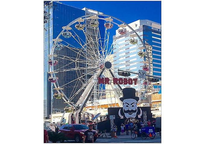 Mr. Robot Ferris Wheel-680