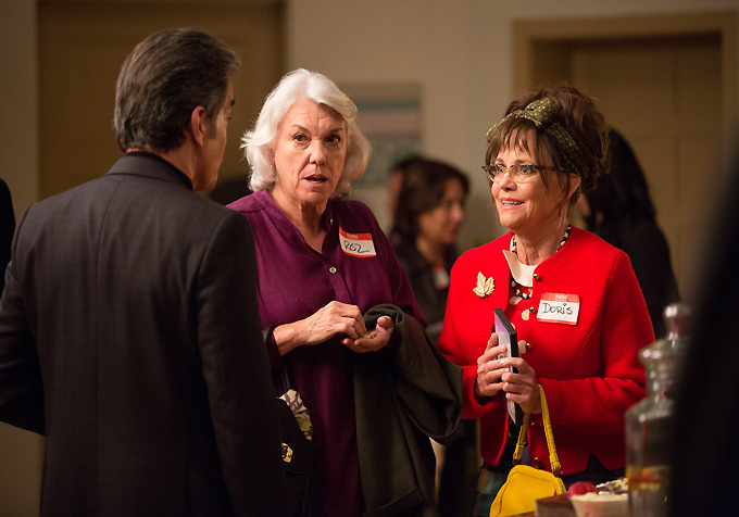 Peter Gallagher-Tyne Daly-Sally Field-Doris