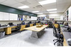 A teacher collaboration area not only inspires co-curricular teaching plans but allows a space for personal belongings outside of the labs – giving back space to the student learning areas.