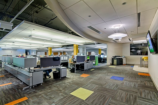 Bright and functional open plan office design
