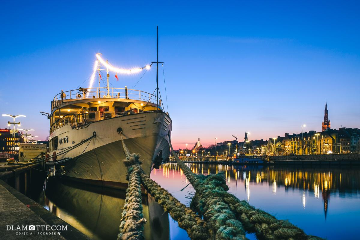Statek Ładoga i bulwary szczecińskie