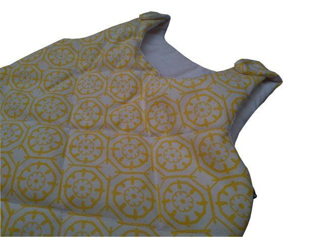 saquinho de dormir infantil estampado geométrico amarelo