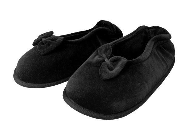 pantufa sapatilha preta com lacinho e sola antiderrapante