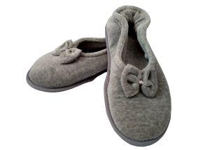pantufa sapatilha cinza com lacinho