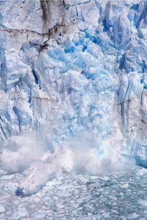 An iceberg(let) is born!