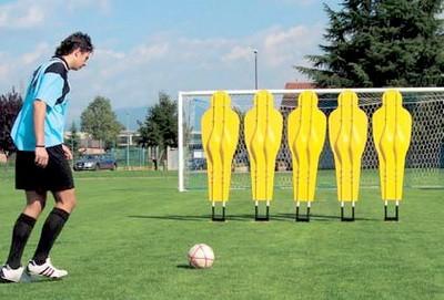 Futbolnyi inventar Manekeny i podstavki
