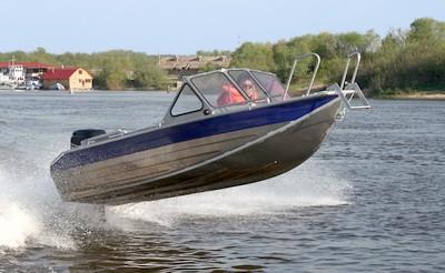 Моторная лодка. Виды и устройство. Плюсы и минусы. Применение
