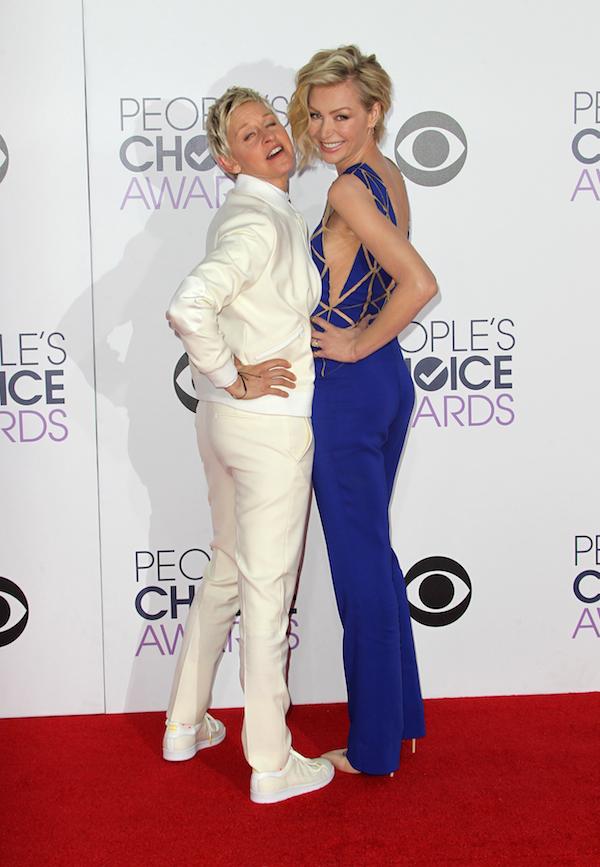 Kat Dennings Beth Behrs Peoples Choice Awards Fashion