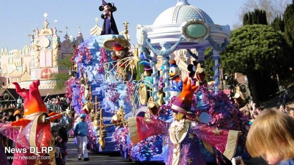 Disney Magic on Parade! (C) NewsDLRP.com