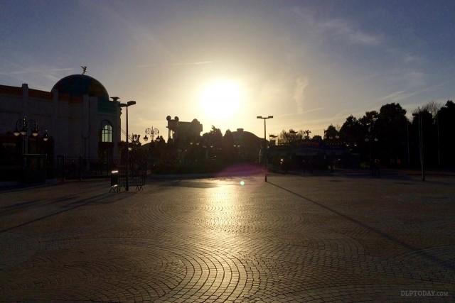 Disneyland Paris parks closed 14th-17th November 2015