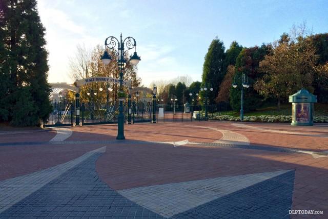 Walt Disney Studios Park gates closed, Sunday 15th November 2015