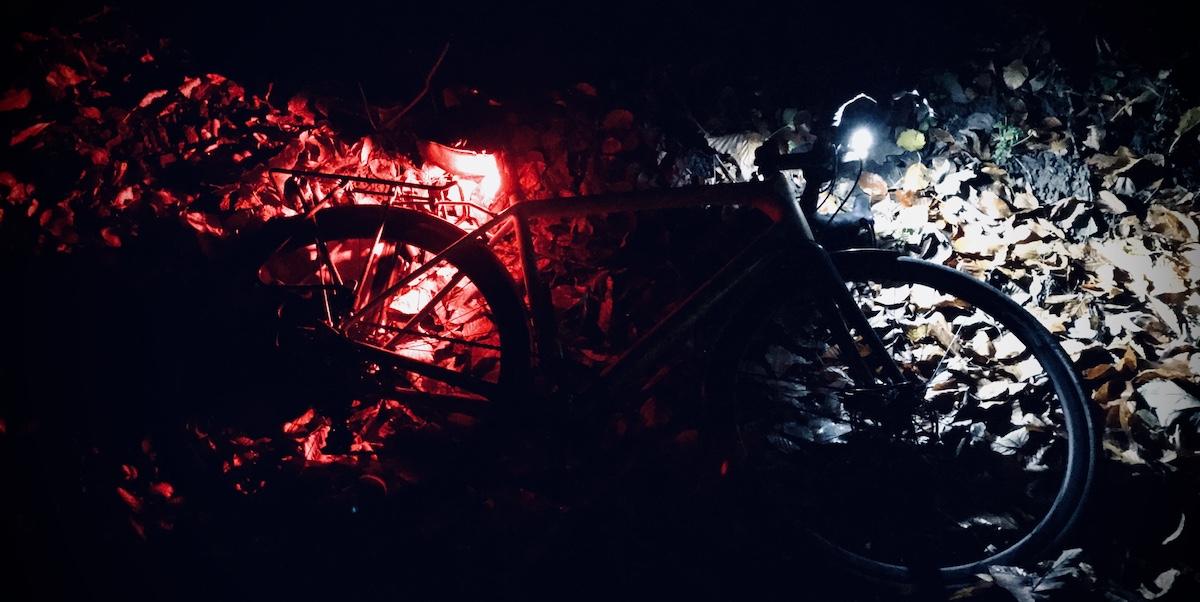 rower z oświetleniem