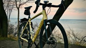 rower na tle morza