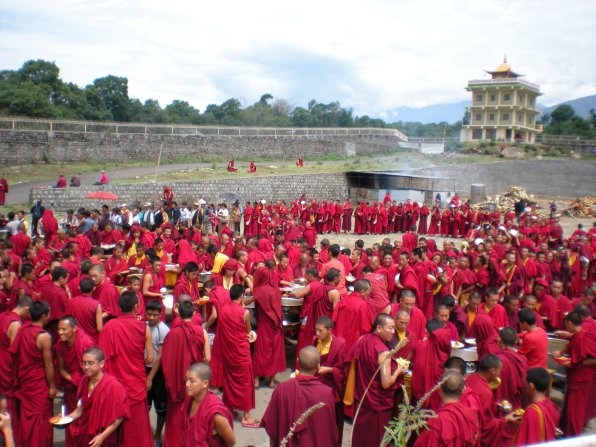 A lot of hungry monks lined up for their afternoon daal.