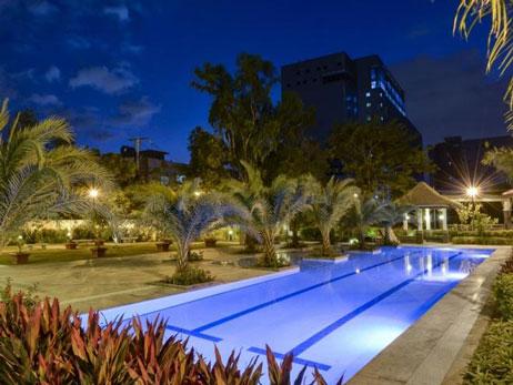 levina-place-Lap Pool-large