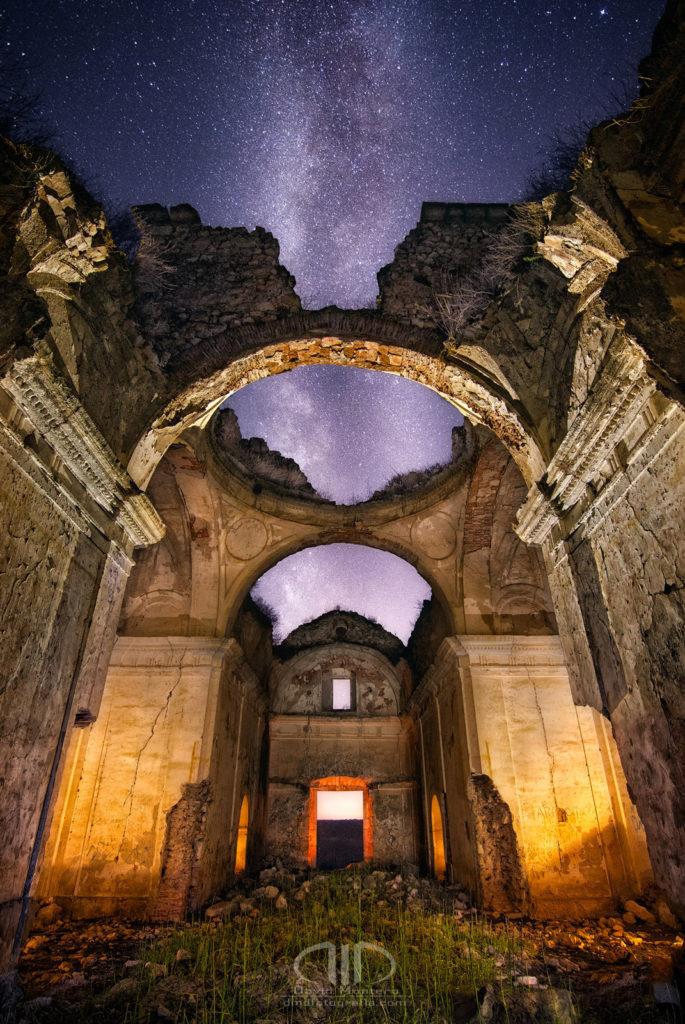 Bóveda celeste - La Vía Láctea como techo de esta ermita - DMD Fotografía