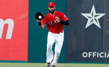 Rangers clear up their logjam of lefty hitters, trade Nomar Mazara to Chicago White Sox