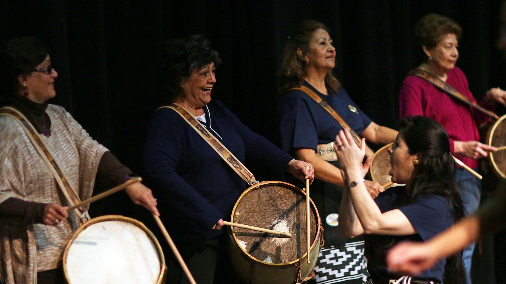 La Percusion En El Folklore Argentino By Domingo Cura On Amazon