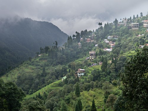 View from the main road from Ghum down to Darjeeling