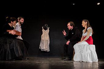 NDS.A La Folie Theatre 2017.Preparation mariage ©Jean-Christophe Fossey.FormatWeb