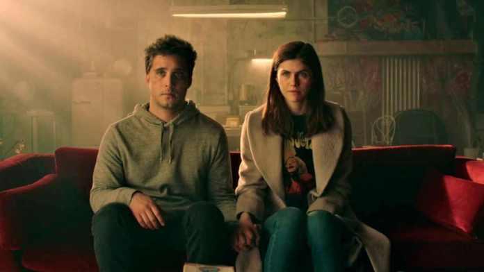 Die in a Gunfight Summary & Ending, Explained 2021 Film Alexandra Daddario