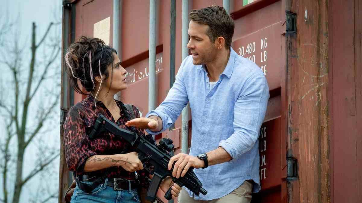 Hitman's Wife's Bodyguard Summary & Ending, Explained 2021 Film Ryan Reynolds Samuel L Jackson