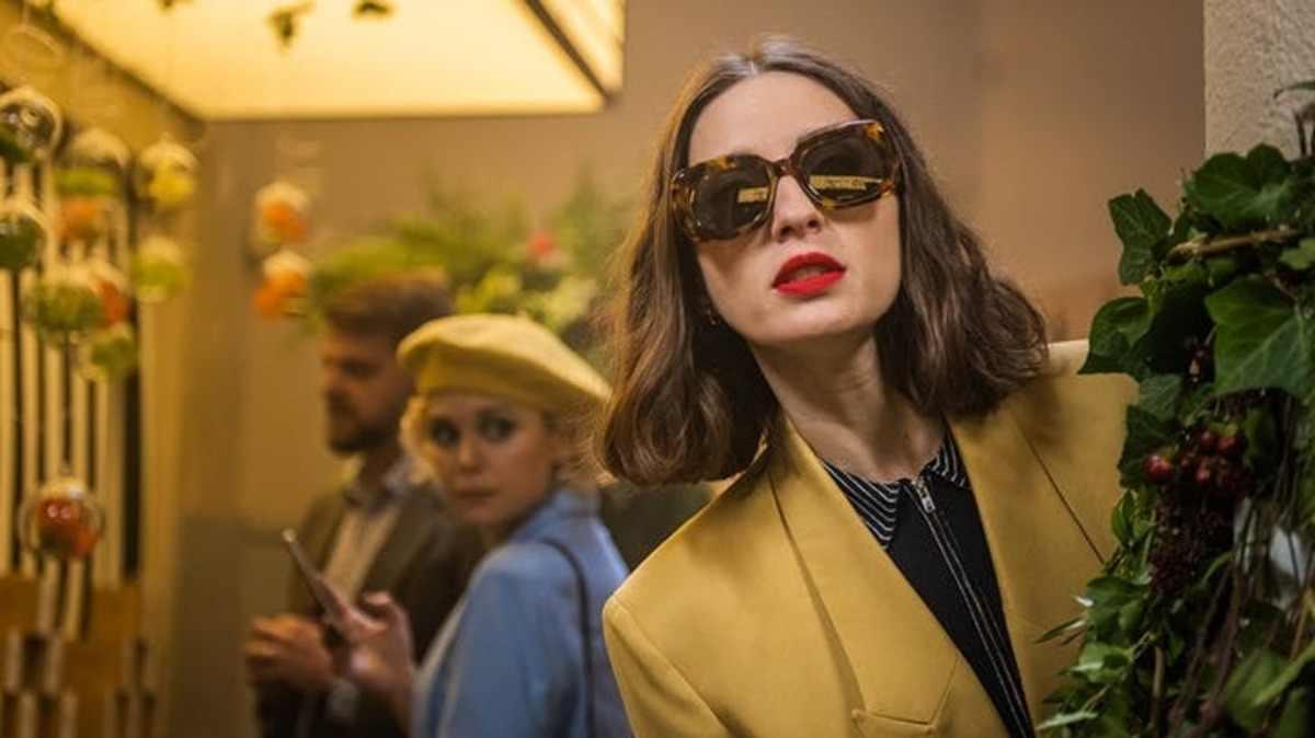 Sounds Like Love Summary Ending Explained 2021 Netflix Film Juana Macías