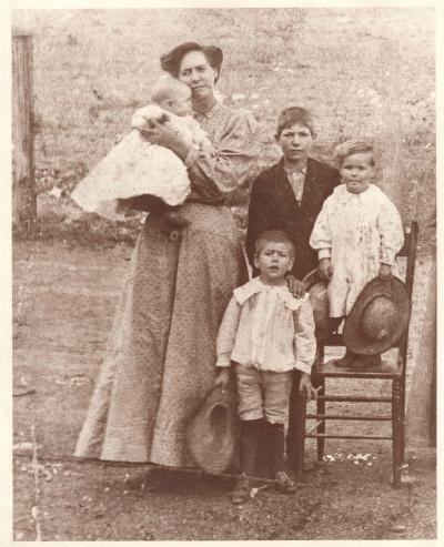 Estes family 1907